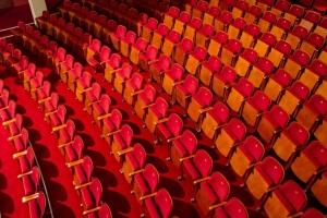 Teatr Bogus³awskiego - scena widownia siedzenia